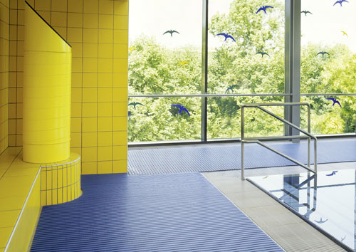 sicheres auftreten bodenroste sauna ruheraum umkleideraum nassbereich. Black Bedroom Furniture Sets. Home Design Ideas