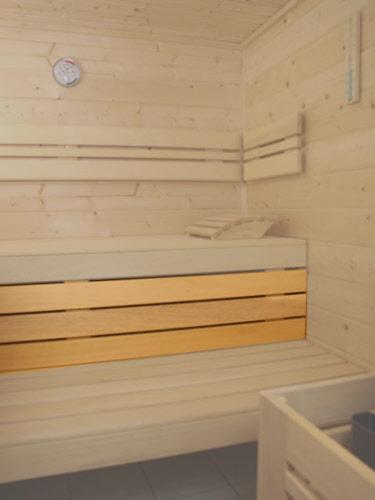 saunaliegen saunab nke bodenroste aus abachiholz sowie alufolie und selbstbauteile sauna. Black Bedroom Furniture Sets. Home Design Ideas